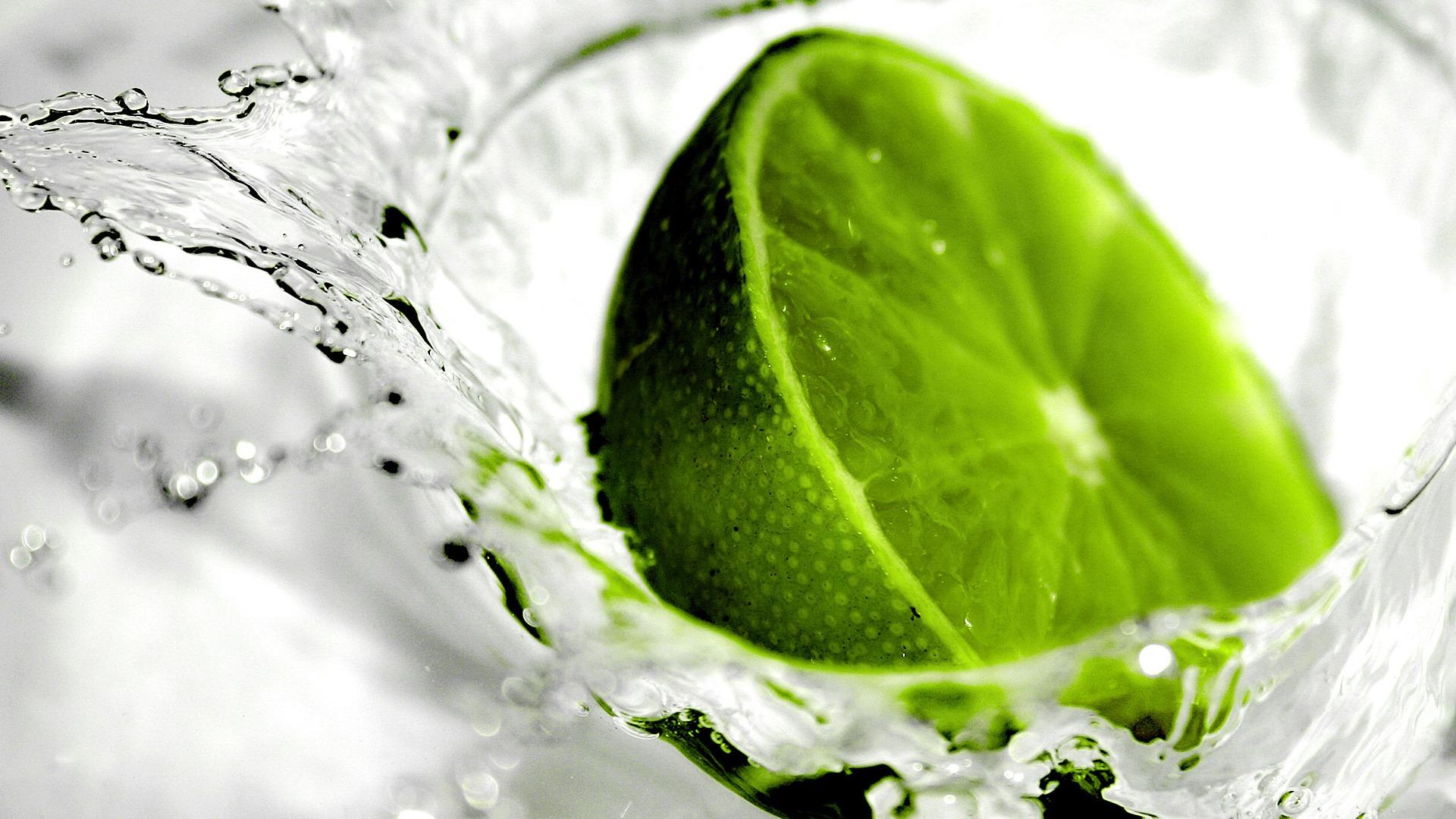 limonka-w-wodzie