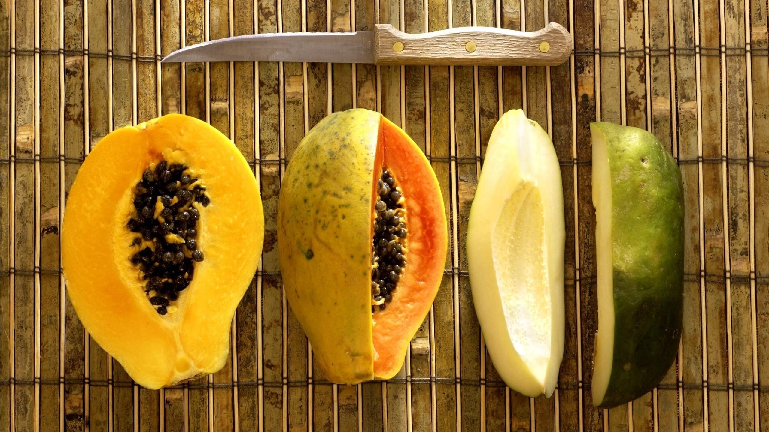 papaja-owoc-noz