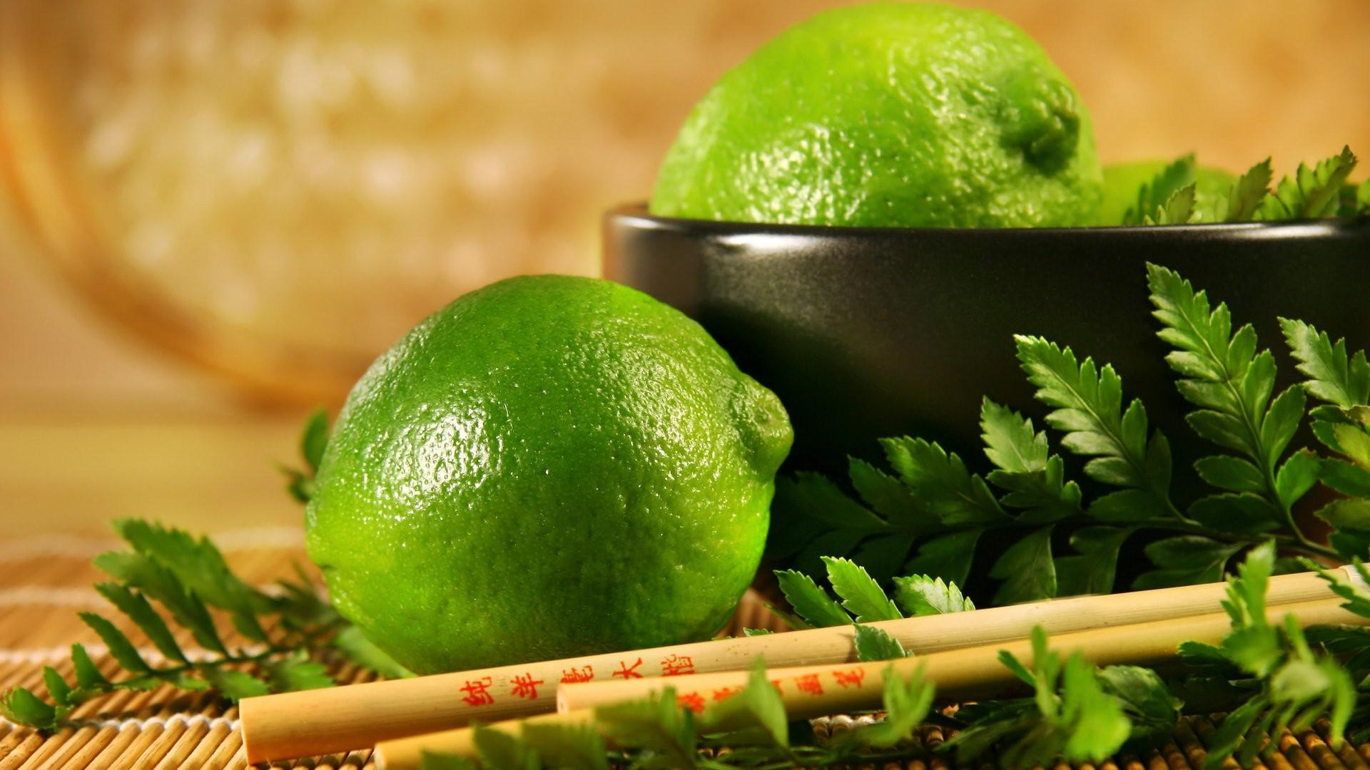 limonki-liscie